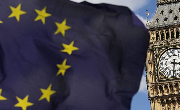 """Minister gospodarki Belgii Kris Peeters powiedział, że """"twardy"""" Brexit byłby fatalny dla belgijskiej i europejskiej gospodarki. Jego zdaniem w jego efekcie 1,2 mln osób może stracić pracę w 27 krajach UE, a w Wielkiej Brytanii ponad 500 tys."""