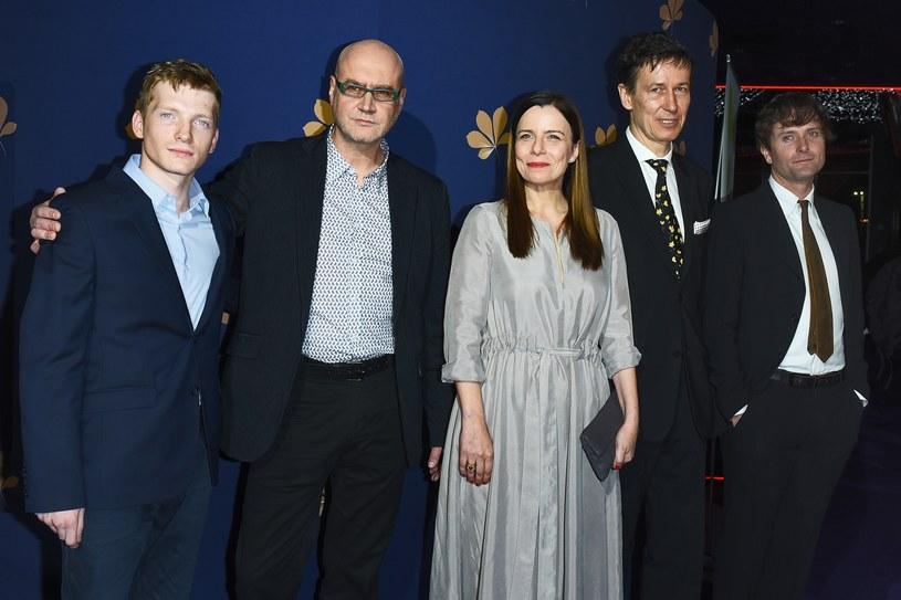 """Świat artystyczny mimowolnie przeplata się ze światem polityki. Ten burzliwy związek jest możliwy za sprawą sztuki kompromisu - powiedział wiceminister kultury Paweł Lewandowski przed premierą """"Pewnego razu w listopadzie"""", filmu otwierającego 33. Warszawski Festiwal Filmowy."""