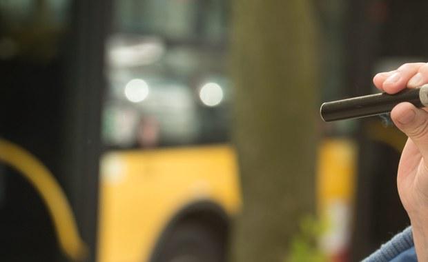 Płyn do elektronicznych papierosów oraz tzw. wyroby nowatorskie będą opodatkowane akcyzą, podobnie jak tradycyjne wyroby tytoniowe - przewiduje przyjęty przez rząd projekt nowelizacji ustawy o podatku akcyzowym.