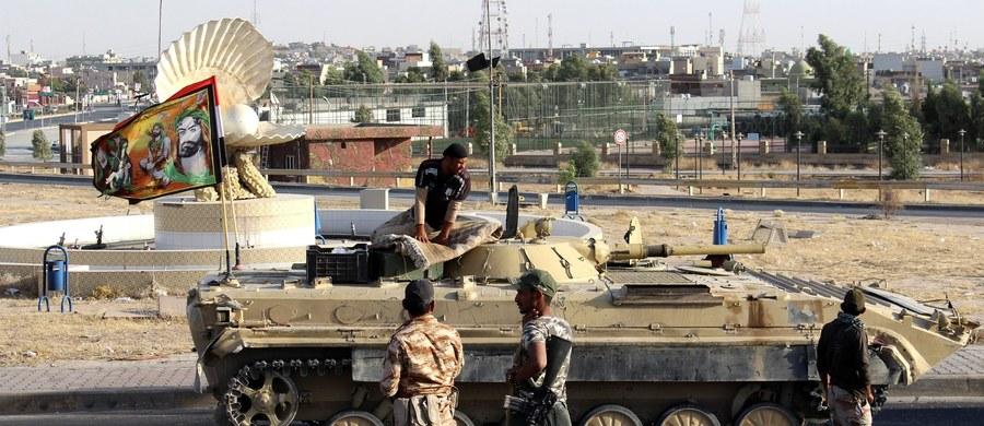 Wojsko irackie kontynuuje przejmowanie terenów niebędących częścią Kurdystanu, ale kontrolowanych przez kurdyjską Peszmergę. Nigdzie nie napotkano oporu ze strony oddziałów kurdyjskich.