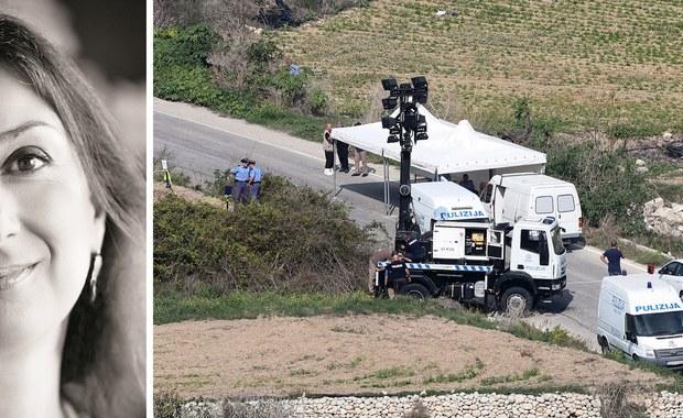 Rząd Malty zwrócił się do funkcjonariuszy amerykańskiego FBI i europejskich ekspertów sądowych o przybycie na wyspę, by pomóc tamtejszej policji w śledztwie w sprawie zamachu, w którym zginęła maltańska dziennikarka śledcza Daphne Caruana Galizia - podało MSW. 53-letnia dziennikarka i blogerka, która pisała o przypadkach korupcji wśród miejscowych polityków, zginęła w poniedziałek na północy Malty, gdy eksplodował samochód, którym jechała.