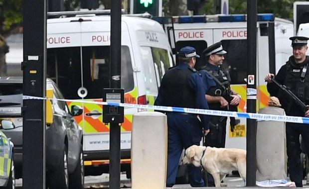 Zagrożenie terrorystyczne, w obliczu którego stoi Wielka Brytania, narasta w alarmującym tempie - ostrzega dyrektor generalny brytyjskiego kontrwywiadu MI5 Andrew Parker. Na spotkaniu z dziennikarzami przyznał, że choć MI5 stale rozwija i aktualizuje swoje możliwości działania, to nie jest w stanie zapobiec wszystkim atakom, których celem są cywile.