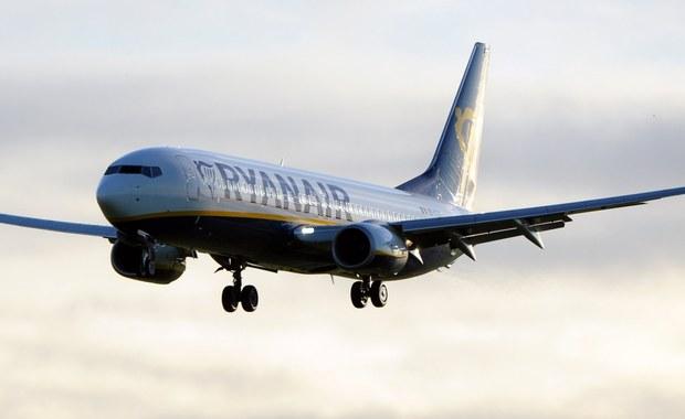 Ryanair błaga pilotów, którzy opuścili linie lotnicze, by wrócili - donoszą brytyjskie media. Sugerują jednocześnie, co tak naprawdę może leżeć u podstaw problemów przewoźnika.