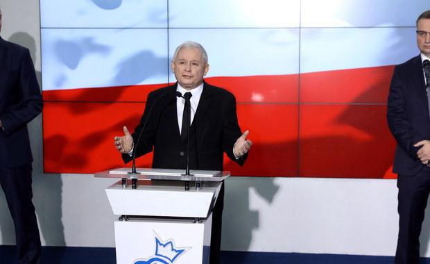 """Droga Zjednoczonej Prawicy prowadzi do """"sukcesu""""; nie chodzi tutaj o sukcesy naszych partii, chodzi o sukcesy Polski, chodzi m.in. o rozwój społeczny, o rozwój gospodarczy i o porządkowanie różnych dziedzin życia publicznego - powiedział prezes PiS Jarosław Kaczyński."""