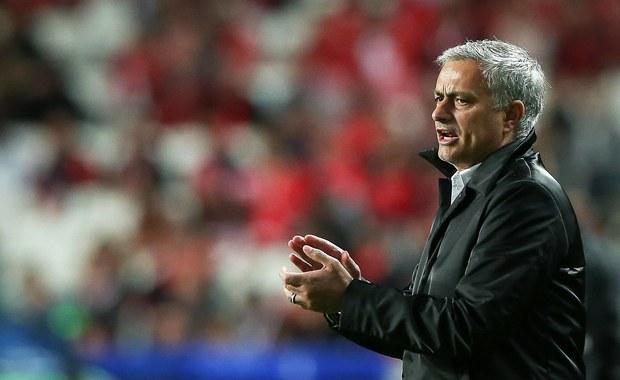 """Piłkarze Manchesteru United niespodziewanie przegrali na wyjeździe z Huddersfield Town 1:2 w meczu 9. kolejki angielskiej ekstraklasy. To pierwsza porażka """"Czerwonych Diabłów"""" w tym sezonie."""