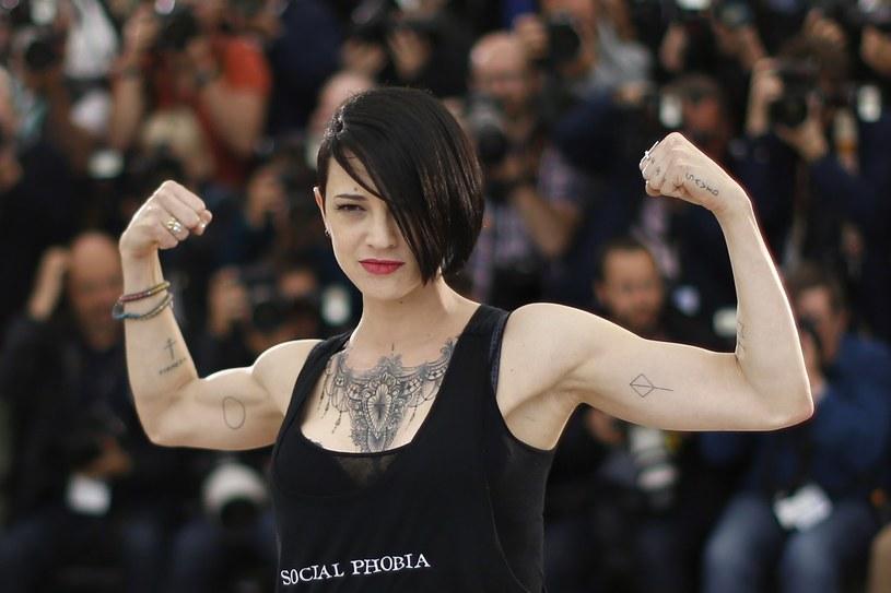 Aktorka Asia Argento opuściła rodzinne Włochy po oskarżeniu producenta filmowego Harveya Weinsteina o gwałt.