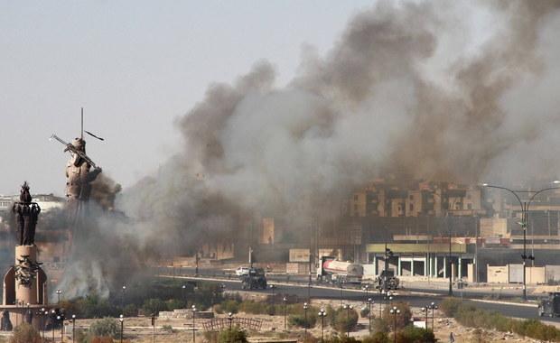 """Kurdyjski Rząd Regionalny (KRG) zaoferował """"zamrożenie"""" wyników referendum niepodległościowego, by doprowadzić do zakończenia konfliktu z Bagdadem. KRG zapowiedział także natychmiastowe wstrzymanie ognia i zakończenie wszystkich operacji wojskowych."""