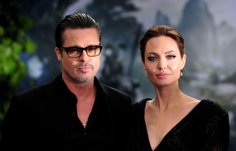 """Brad Pitt jest zadowolony, że jego małżeństwo z Angeliną Jolie to już przeszłość i nazywa ich związek """"trwającym 12 lat piekłem"""". Aktor - jak pisze """"Star"""" - twierdzi, że małżeństwo było toksyczne i od samego początku skazane na niepowodzenie."""