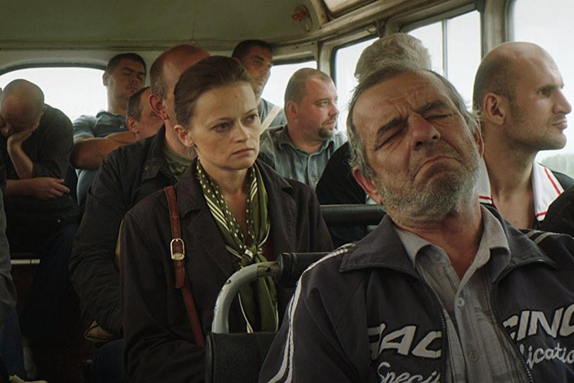 """""""Łagodna"""" Siergieja Łoźnicy to opowieść o wędrówce przez najgłębsze kręgi rosyjskiego piekła, w którą udaje się nieustępliwa wobec wszechobecnej korupcji pokorna żona więźnia. Film o walecznej, ale wciąż bezimiennej kobiecie wejdzie w piątek, 27 października, na ekrany kin."""
