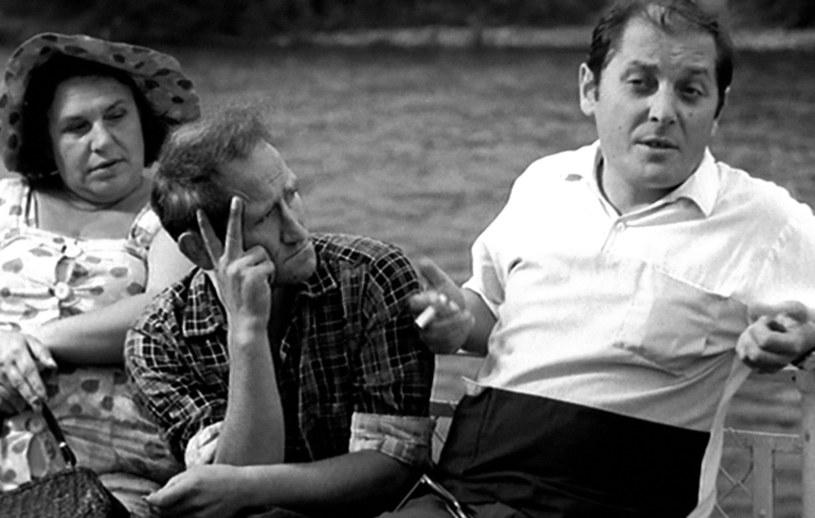"""Poznali się na planie filmowym, ale bardzo szybko okazało się, że łączy ich nie tylko angaż do """"Rejsu"""" Marka Piwowskiego. Jan Himilsbach i Zdzisław Maklakiewicz stworzyli najbarwniejszy duet w kinie szarego PRL-u, a poza nim stali się symbolem prawdziwej męskiej przyjaźni."""