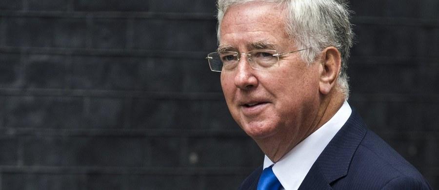 Szef brytyjskiego ministerstwa obrony podał się do dymisji. Michael Fallon przyznał, że jego zachowanie odbiegało od wysokich standardów wymaganych od członków rządu.