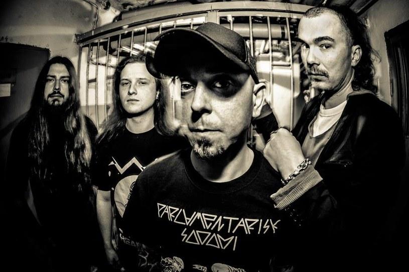 """""""Now"""" - to świeży wideoklip Antigamy, którym grindcore'owcy z Warszawy promują nowy minialbum."""