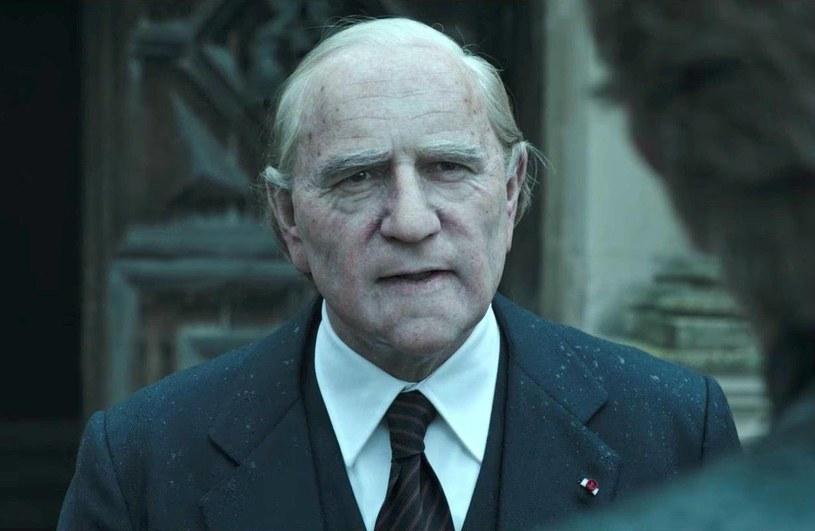 """Choć do premiery nowego obrazu Ridleya Scotta """"Wszystkie pieniądze świata"""" pozostało zaledwie kilka tygodni, polska premiera zaplanowana jest na 5 stycznia 2018, to reżyser produkcji w porozumieniu z wytwórnią Sony podjęli decyzję o usunięciu Kevina Spaceya z filmu."""