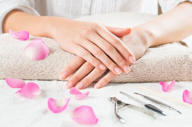 Oto skuteczne metody na pękającą skórę dłoni