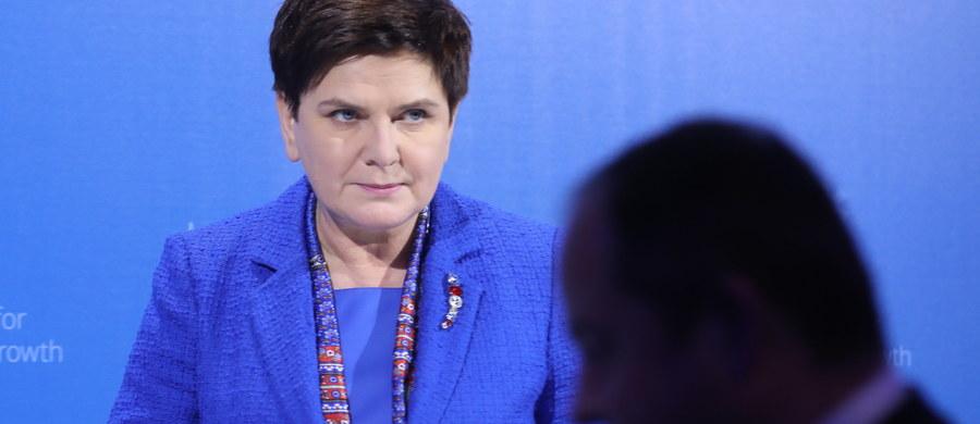Donald Tusk jako szef Rady Europejskiej nic dla Polski nie zrobił. Dzisiaj, wykorzystując swoje stanowisko do ataku na polski rząd, atakuje Polskę - tak premier Beata Szydło odpowiedziała w niedzielę na Twitterze na wcześniejszy wpis szefa Rady Europejskiej.