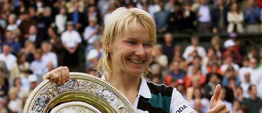 W wieku 49 lat zmarła w niedzielę po ciężkiej chorobie Jana Novotna. Czeska tenisistka triumfowała w 1998 roku w Wimbledonie. Rok wcześniej zajmowała najwyższe w karierze drugie miejsce w światowym ranking