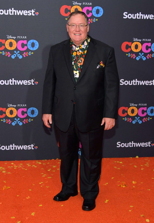 """Szef studia Disney/Pixar, reżyser John Lasseter (""""Toy Story"""", """"Auta""""), to kolejna postać ze świata Hollywood, która została oskarżona o molestowanie seksualne. Artysta przeprosił za niewłaściwe zachowanie wobec kobiet; poinformował również, że na pół roku udaje się na zawodowy urlop."""