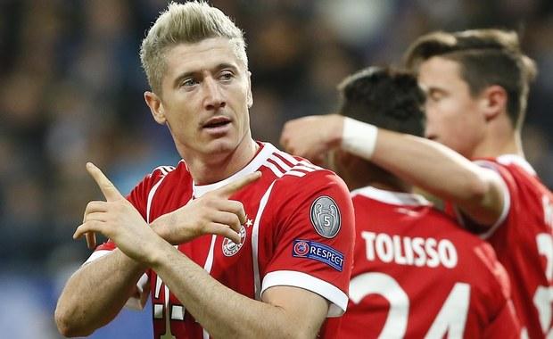 Robert Lewandowski strzelił gola dla Bayernu w wygranym 2:1 wyjazdowym meczu z Anderlechtem w 5. kolejce piłkarskiej Ligi Mistrzów. Monachijczycy już wcześniej byli pewni awansu. W środę ten cel osiągnęły Chelsea i Barcelona, która zremisowała w Turynie z Juventusem 0:0.