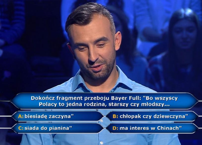 """""""Bo wszyscy Polacy to jedna rodzina"""" - któż nie zna tego refrenu przeboju discopolowej grupy Bayer Full?"""