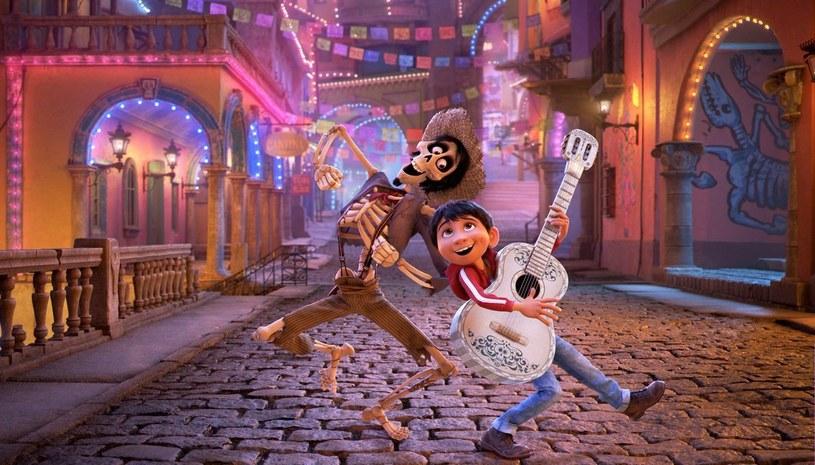 """Meksykanie jako pierwsi oszaleli na punkcie """"Coco"""". Najnowsza produkcja studia Disney-Pixar bije rekordy popularności i już stała się filmem wszech czasów, zajmując 1. miejsce w rankingu najbardziej dochodowych filmów animowanych w Meksyku."""