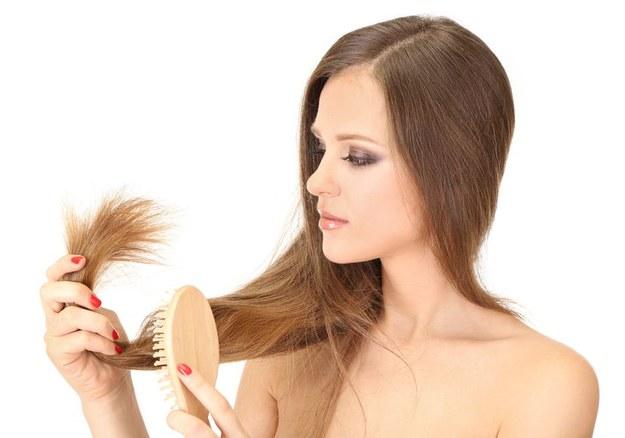 Zamiast wypić, zastosuj ją na włosy. Efekty cię zaskoczą!