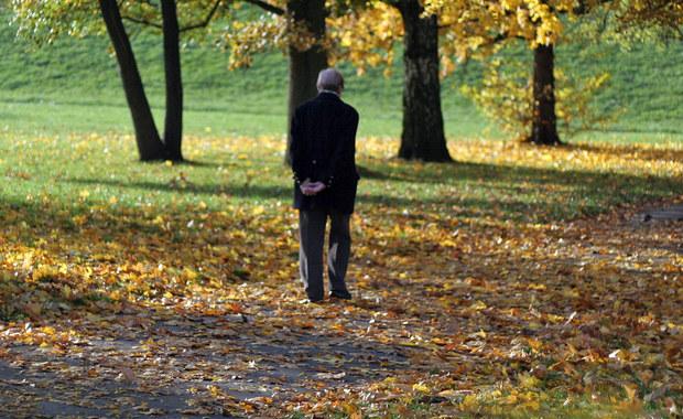 Nie będzie 500 plus dla emerytów na święta! Sejm większością głosów Prawa i Sprawiedliwości odrzucił w pierwszym czytaniu projekt ustawy Polskiego Stronnictwa Ludowego, który zakładał jednorazowe wsparcie osób z najniższymi emeryturami. Partia rządząca zarzuca ludowcom populizm i mówi: Mogliście to zrobić przez osiem lat rządów.