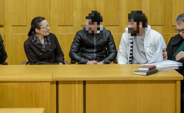 W sądzie w Białej Podlaskiej (Lubelskie) rozpoczął się proces trzech Czeczenów. Mężczyźni są oskarżeni o czynną napaść na funkcjonariuszy Straży Granicznej i kierowanie gróźb wobec nich. Nie przyznali się do winy.