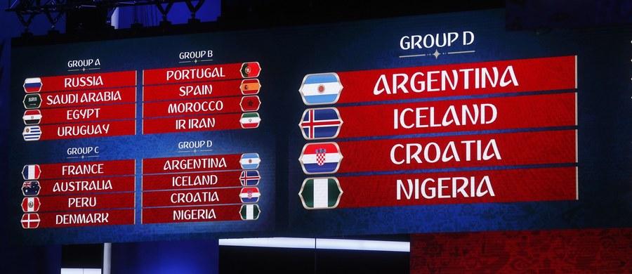 Wielkie emocje czekają nas w fazie grupowej piłkarskiego mundialu. W fazie grupowej rosyjskiego turnieju nie zabraknie wielkich szlagierów jak choćby mecz Hiszpanii z Portugalią w grupie B. Swoich rywali poznali też Polacy. W grupie H nasza drużyna zmierzy się z Kolumbią, Senegalem i Japonią.