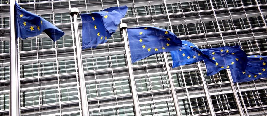 Podczas gdy większość państw członkowskich Unii Europejskiej korzystając z dobrej koniunktury gospodarczej poprawia swoją sytuację budżetową, Rumunia idzie w zupełnie w odwrotnym kierunku. We wtorek UE przyjmie kolejne rekomendacje dla Bukaresztu w sprawie zmniejszenia deficytu.