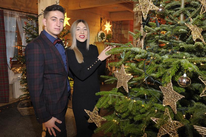 """W świąteczny poniedziałek, 25 grudnia, TVP1 wyemituje specjalny odcinek programu """"Rolnik szuka żony"""". Kogo zobaczymy przy świątecznym stole? Kto się nie pojawił?"""