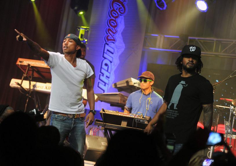 """Trio N.E.R.D zaprezentowało teledysk do swojego utworu """"1000"""" nagranego wspólnie z Futurem."""