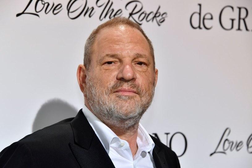 Sześć kobiet pozwało w środę amerykańskiego producenta filmowego Harveya Weinsteina do sądu federalnego w Nowym Jorku za molestowanie. Twierdzą, że działania producenta mające na celu utrzymanie w ukryciu jego umizgów równały się wymuszeniu cywilnemu.