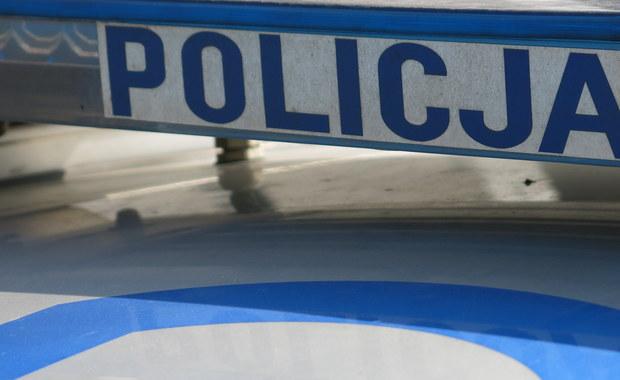 Nie żyje 46-latek zaatakowany przez nożownika w Ciechanowie. Trwa policyjna obława za napastnikiem.