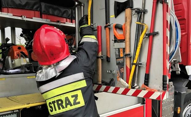 Tragedia w Tczewie na Pomorzu. Nie żyje 15-latek, który śmiertelnie zatruł się czadem. Pięć osób z objawami podtrucia trafiło do szpitala.