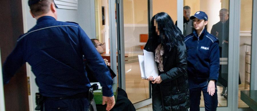 Sprawa jest zemstą Zbigniewa Ziobro i Bogdana Święczkowskiego, którzy mieli mieć zarzuty w prokuraturze rzeszowskiej - oświadczyła przed Sądem Rejonowym w Tarnowie Anna H., oskarżona w związku z tzw. aferą podkarpacką.