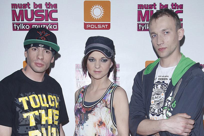 """Piotr """"Ner"""" Bieryt z hiphopowej grupy Sachiel, która wygrała siódmą edycję """"Must Be The Music"""", trafił do szpitala na skutek wypadku samochodowego."""