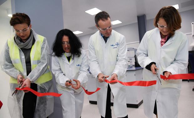 Ministerstwo Rozwoju stawia na rozwój przemysłu farmaceutycznego w Polsce. Chce zachęcać firmy z tego sektora do inwestycji w zakresie badania i rozwoju, a także produkcji nowych leków. Ma to pozwolić na lepszy dostęp Polaków do nowoczesnych terapii oraz zapewnić bezpieczeństwo lekowe kraju.