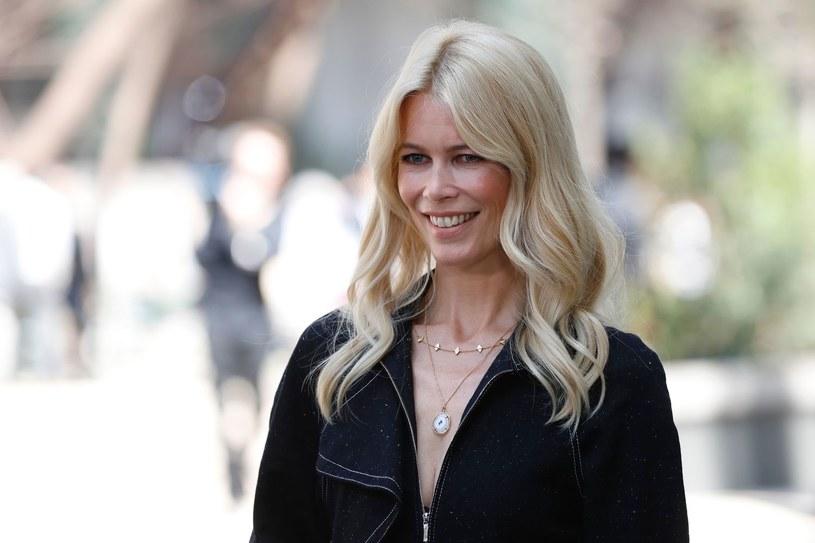 """Za 60-sekundowy epizod w kultowej komedii """"To właśnie miłość"""" modelka Claudia Schiffer zainkasowała około ćwierć miliona dolarów."""