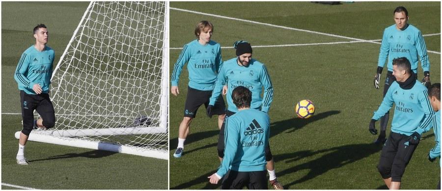 Dobra wiadomość dla kibiców Realu Madryt: wszystko wskazuje na to, że Cristiano Ronaldo, który borykał się ostatnio z urazem łydki, wyjdzie na murawę w sobotnim El Clasico! W piątek Portugalczyk po raz pierwszy w tym tygodniu wziął udział w pełnym treningu.