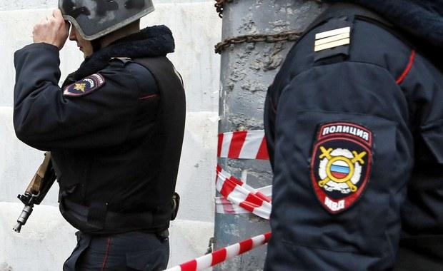 Dziesięć osób zostało rannych w wybuchu bomby w supermarkecie w Petersburgu. Eksplodował ładunek wybuchowy domowej roboty z elementami raniącymi - poinformowała rzeczniczka Komitetu Śledczego Federacji Rosyjskiej Swietłana Pietrienko.