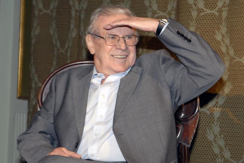 Wiesław Gołas kilka lat temu przeszedł zawał. Od tego czasu musi na siebie bardzo uważać. Kilka dni temu trafił do szpitala - poddał się serii badań. Wiesław Gołas niedawno skończył 87 lat.