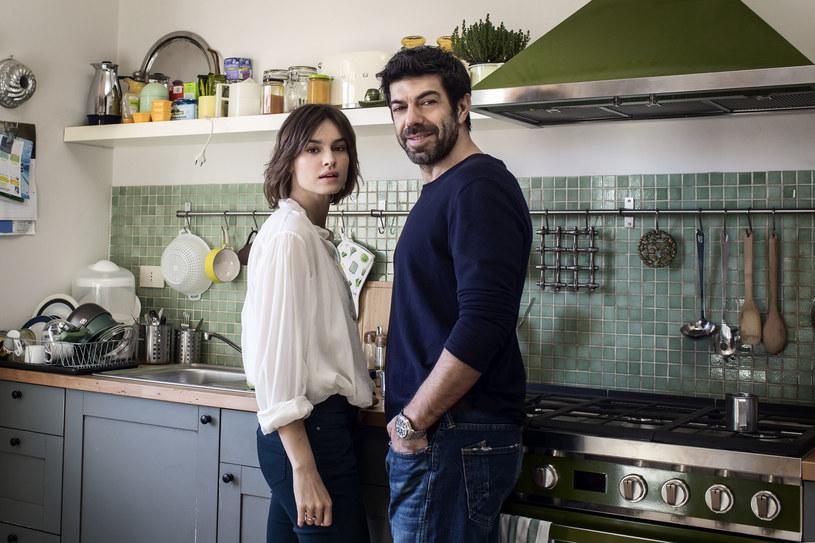 """16 lutego na ekrany polskich kin trafi romantyczna komedia """"Żona czy mąż?"""" z Kasią Smutniak w roli głównej."""