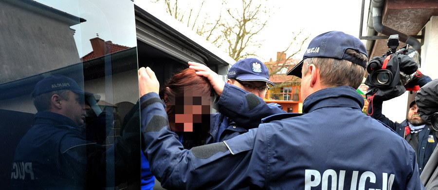 Przed Sądem Okręgowym w Szczecinie ruszył proces porywaczy 12-letniej dziewczynki z Golczewa w Zachodniopomorskiem. Na ławie oskarżonych zasiadł Ryszard D. oraz jego partnerka Elżbieta B. Grozi im do 15 lat więzienia.