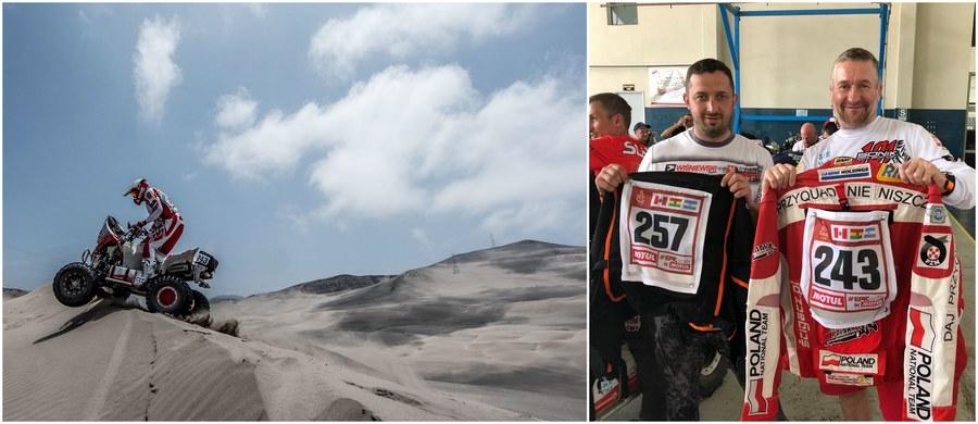Nowy Rok przywitali w Limie, a już dwa dni później zameldowali się w bazie Rajdu Dakar, by dokonać niezbędnych formalności. W czwartek Rafał Sonik i Kamil Wiśniewski wstawili swoje quady do zamkniętego parku maszyn. Odbiorą je w sobotę przed oficjalną ceremonią rozpoczęcia 40. edycji supermaratonu. Obaj jednak podkreślają, że dla nich rywalizacja zaczęła się z chwilą otrzymania numerów startowych!