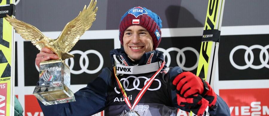 Zagraniczne media są zachwycone wyczynem Kamila Stocha w Turnieju Czterech Skoczni. Jako drugi zawodnik w historii Polak wygrał konkursy na wszystkich obiektach.