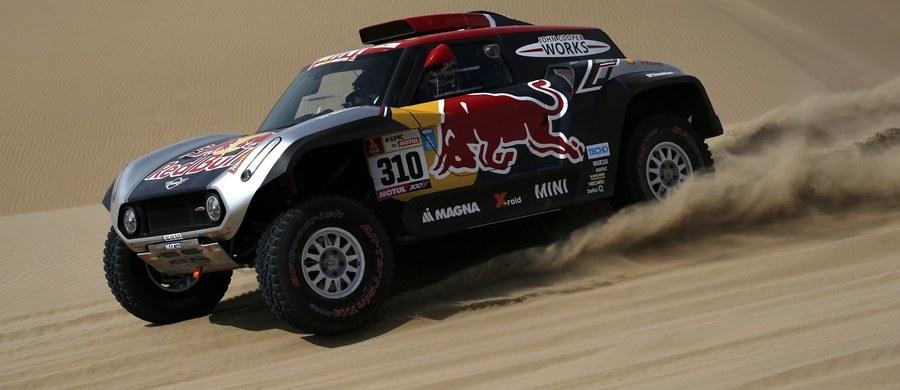 Amerykański kierowca Bryce Menzies (Mini) wycofał się na początku drugiego etapu 40. Rajdu Dakar. Po pierwszym zajmował czwarte miejsce, ze stratą 38 sekund do Katarczyka Nassera Al-Attiyaha (Toyota).