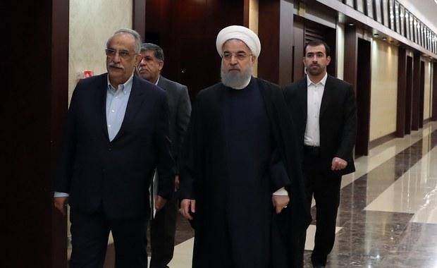 """Prezydent Iranu Hasan Rowhani, uznawany za pragmatyka i reformatora, powiedział w poniedziałek, że uczestnikom protestów, które przetoczyły się ostatnio przez kraj, chodziło o coś więcej niż warunki bytowe, a ludzie domagają się też """"większych swobód obywatelskich""""."""