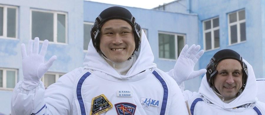 Japoński astronauta Norishige Kanai, który trafił na Międzynarodową Stację Kosmiczną 17 grudnia, urósł od tego czasu aż o 9 centymetrów. W związku z tym kosmonauta martwi się o swój powrót na Ziemię.