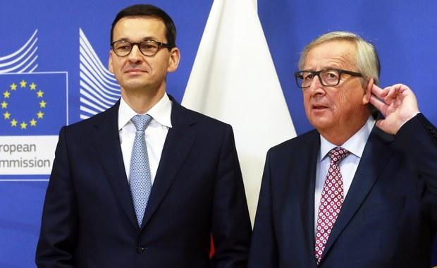 Ponad dwie godziny - dłużej niż początkowo planowano – trwało spotkanie premiera Morawieckiego z Jean-Claudem Junckerem. Była dobra atmosfera, pierwszy od dwóch lat dialog, jednak postępu w kwestii praworządności brak.