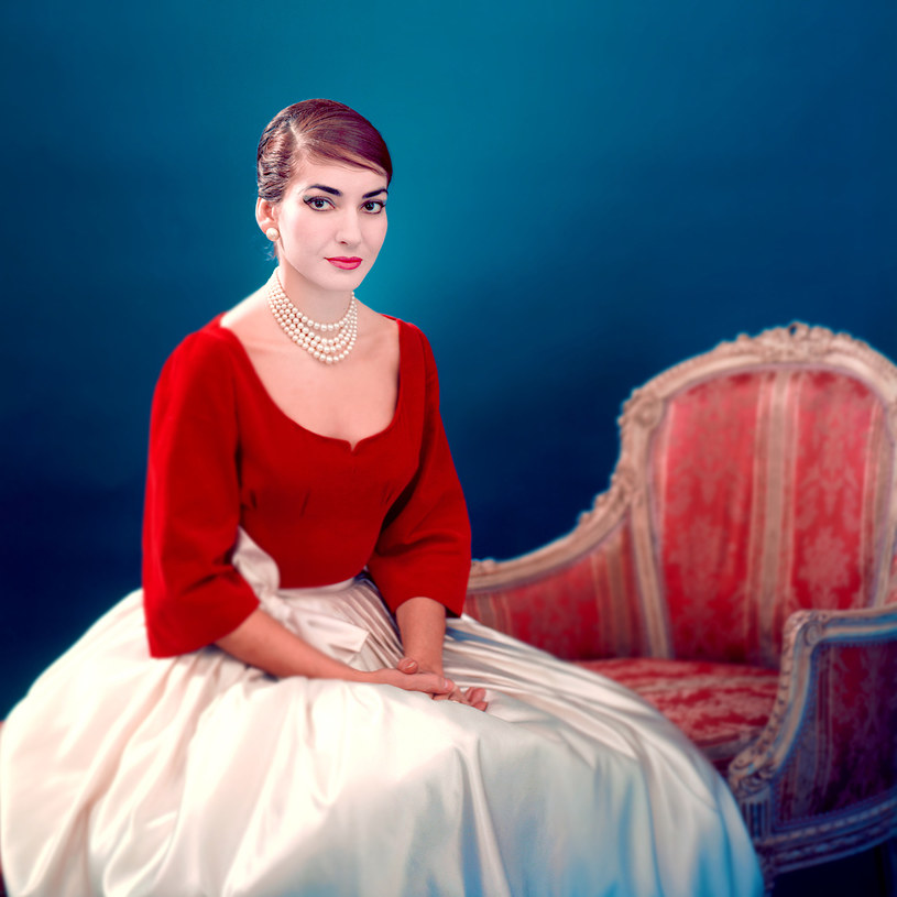 """""""Maria Callas"""" to nieznana historia najsłynniejszej diwy operowej wszech czasów, fascynującej kobiety pełnej sprzeczności, spełnionej na scenie, ale szukającej wielkiego uczucia i uwięzionej w burzliwym trójkącie miłosnym."""